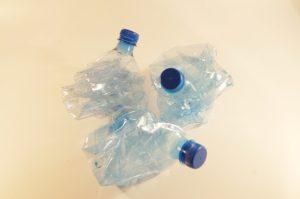 plastic-bottles-621359_640